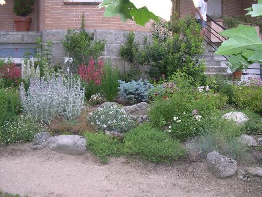 Ayuda para disear un jardn sostenible de bajo for Infos jardin